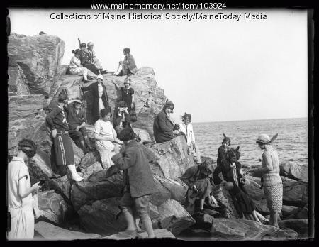 Business and professional women on Peaks Island, Portland, 1925