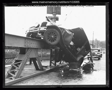 Automobile accident, ca. 1925