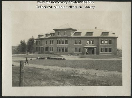 The Great Northern Paper Company administrative building, Millinocket, ca. 1913