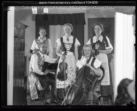 Bye Family Ensemble, Portland, ca. 1930