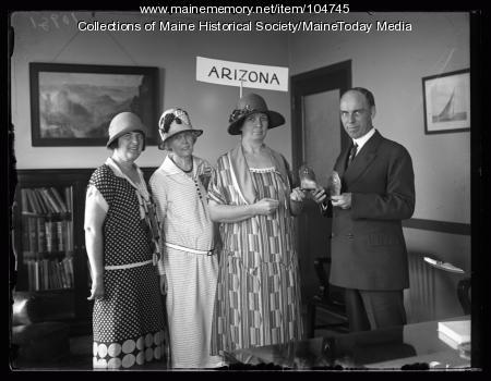 Arizona delegation of NFBPWC with Governor Brewster, Portland, 1925
