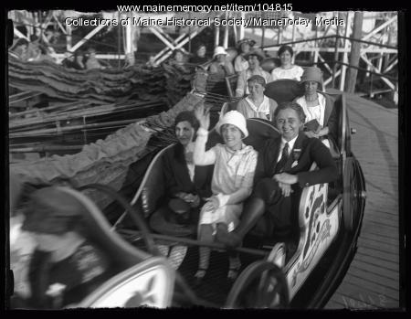"""NFBPWC delegates ride the """"Caterpillar"""" at Old Orchard Beach, 1925"""