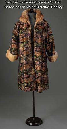 Chinese Jacquard fur-lined coat, ca. 1925