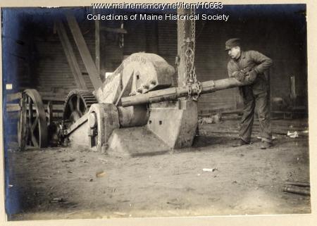 Cutting pipe, William H. Perry Co., Portland, ca. 1909