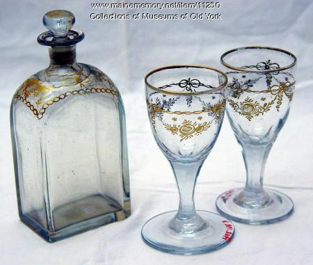 Blown glass gilt decorated decanter and wine glasses, York, ca. 1800