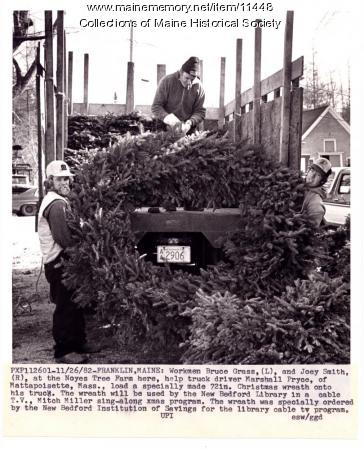 Giant wreath, Franklin, 1982