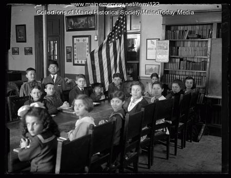 Americanization class, Boys Club, Portland, 1923