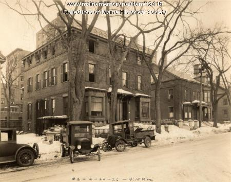 Demolition preparation, High Street, Portland, 1926