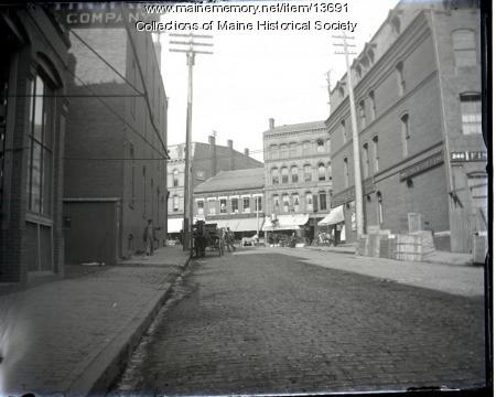 Cross Street, Portland, looking north