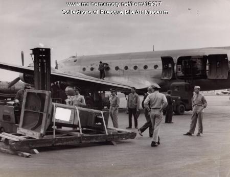Douglas C-5A, Presque Isle, c. 1943