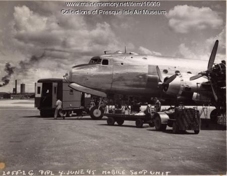 Douglas C-54, Presque Isle, 1945