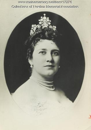 Lillian Nordica in diamond tiara