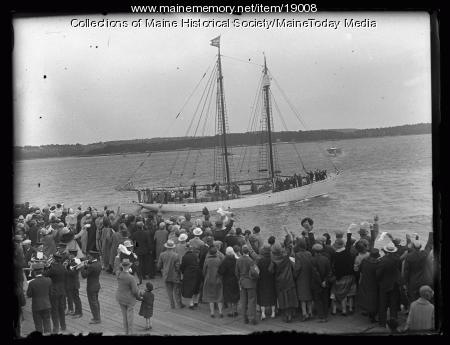 Crowd seeing Donald B. MacMillan off, Wiscasset, 1927