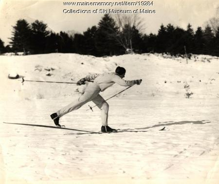 Chummy Broomhall shows his kick-and-glide style in Rumford in 1939