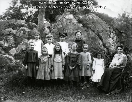 Old Edison School pupils, Springvale, ca. 1905