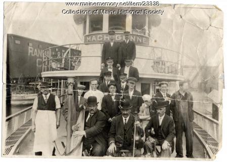 Machigonne crew, ca. 1910