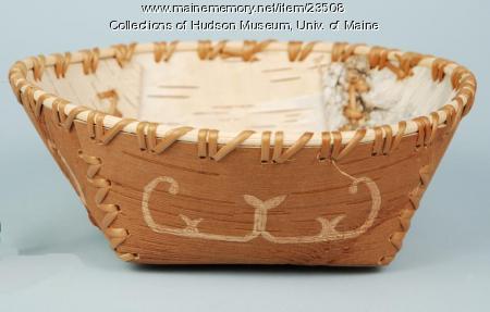 Passamaquoddy birchbark dish, ca. 2000