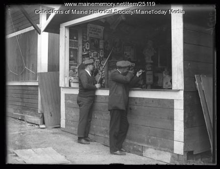 Shooting game, Riverton Park, Portland, 1924