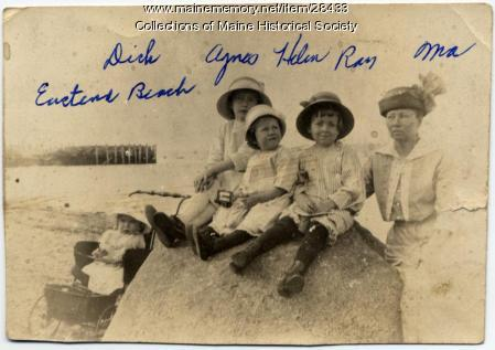 Kerr family, East End Beach, Portland, ca. 1913