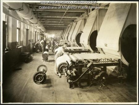 Slashing machines at Pepperell Mills, Biddeford, ca. 1925