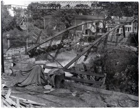 Iron Bridge collapse, Guilford, 1954
