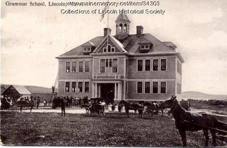 Primary school on School Street, Lincoln, ca. 1905