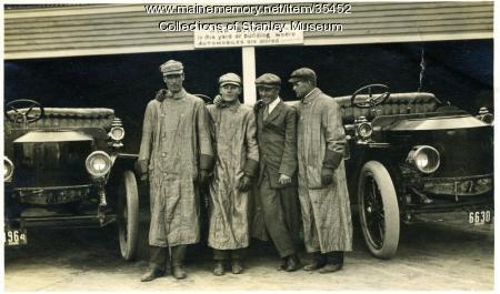 Motor Coachmen and their Stanley Cars, Poland Spring, 1911