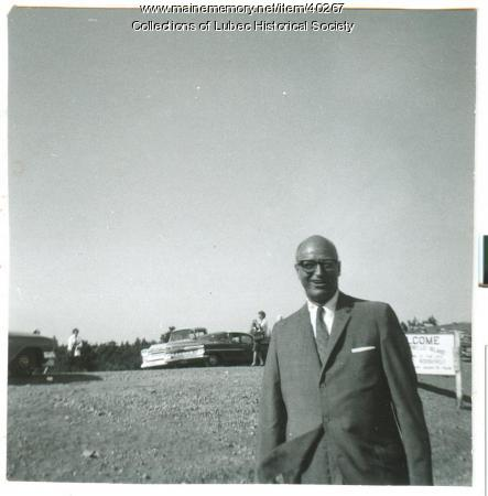 James Roosevelt at Roosevelt Bridge dedication, Lubec, 1962