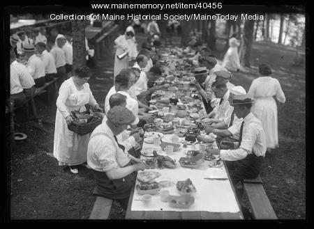 Kiwanis Club clambake, Scarborough, 1920