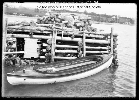 Motor launch at pier, Pushaw Lake, ca. 1895