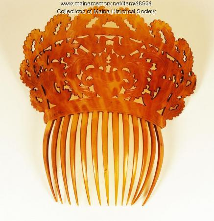 High back hair comb, Portland, ca. 1810