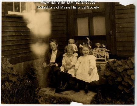 Plummer family children, Scarborough, ca. 1900