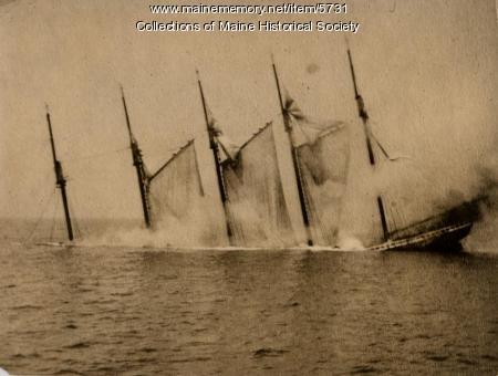 Sinking of the schooner 'Dorothy B. Barrett', 1918