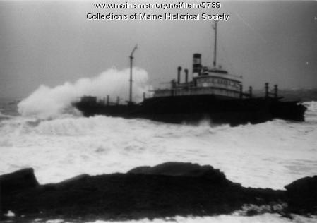 Oakey L. Alexander aground, Cape Elizabeth, 1947