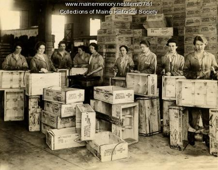 Portland Company employees, ca. 1917