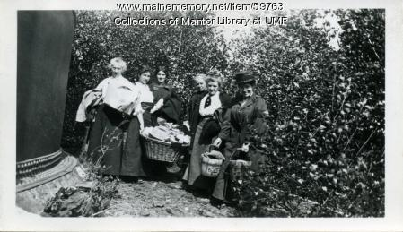 Home Economics picnic, Farmington State Normal School, 1914