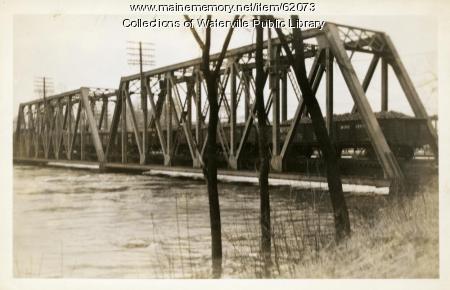 Near-overflowing bridge, Winslow, 1936