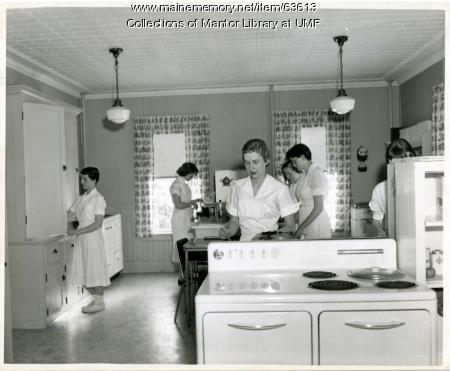 Farmington State Teachers College Food Lab, ca. 1955