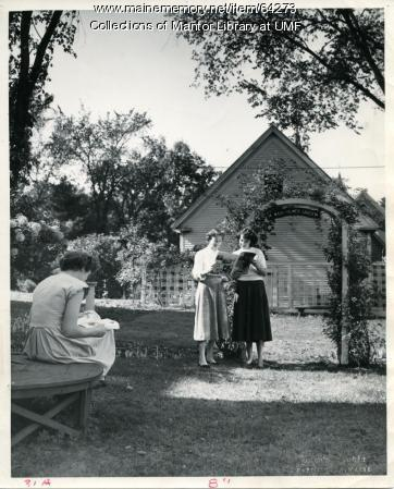 Normal School students in Mary Palmer Garden, 1948