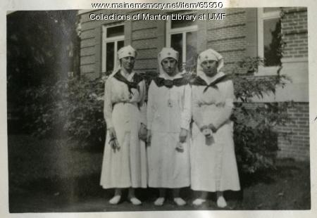 Farmington State Normal School students in Red Cross uniforms, 1917