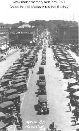 Automobile procession, Houlton, 1927