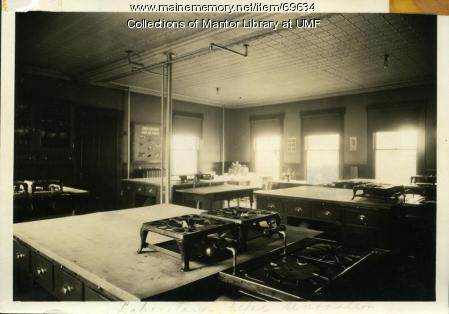Home Economics food laboratory, Farmington State Normal School, ca. 1916