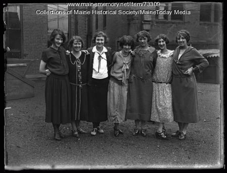 Telegram office girls, Portland, 1924