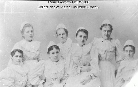 Student nurses, Portland, ca. 1895