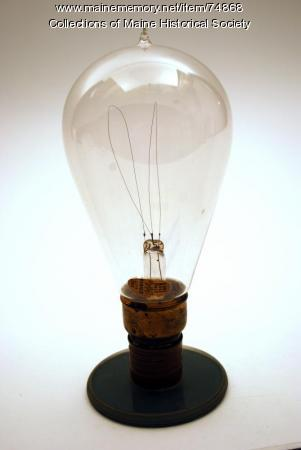 Metalized filament bulb, ca. 1904