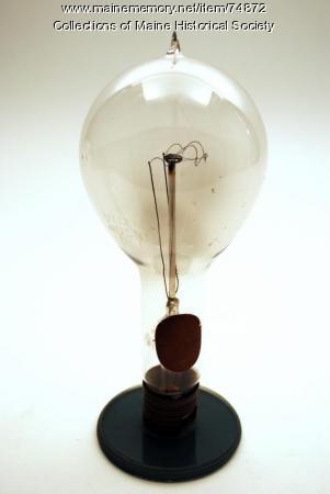 Coiled tungsten filament bulb, ca. 1915