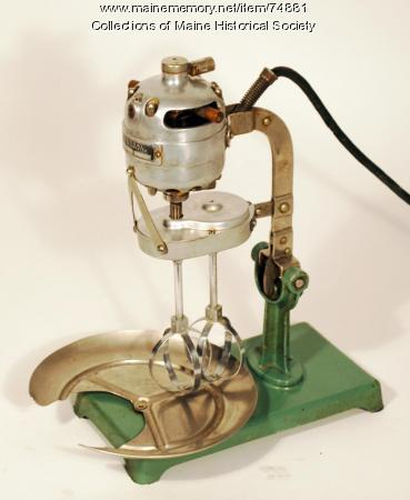 Universal Electric Mixabeater, ca. 1915