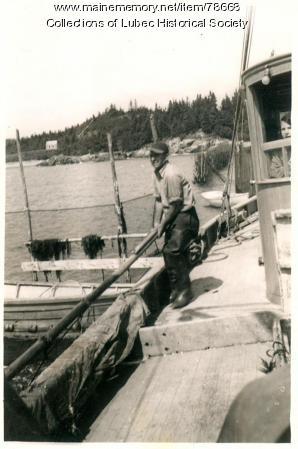 Seining herring, Lubec, ca 1940