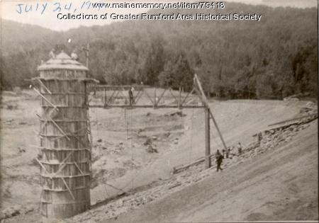 Mt. Zircon Resevoir construction, Rumford, 1914