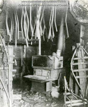 Mellie Dunham snowshoe workshop, Norway, ca. 1915